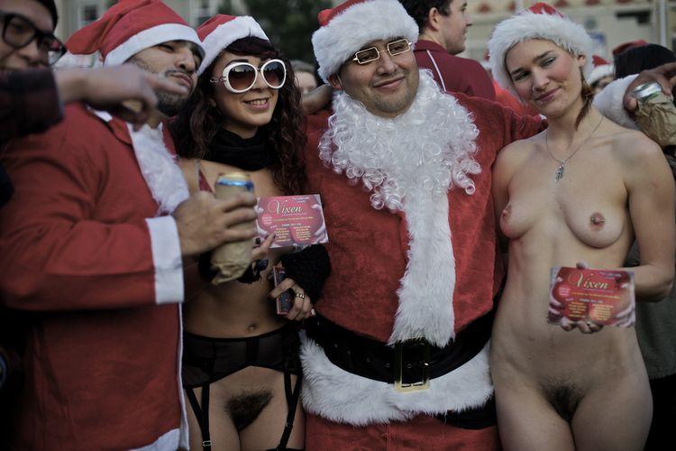 Record du monde de Pères Noels nus à San Franciso (USA)