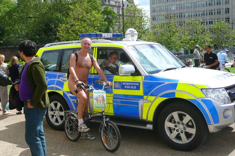800 Cyclonudistes à Londres le 9 juin 2012 pour la World Naked Bike Ride