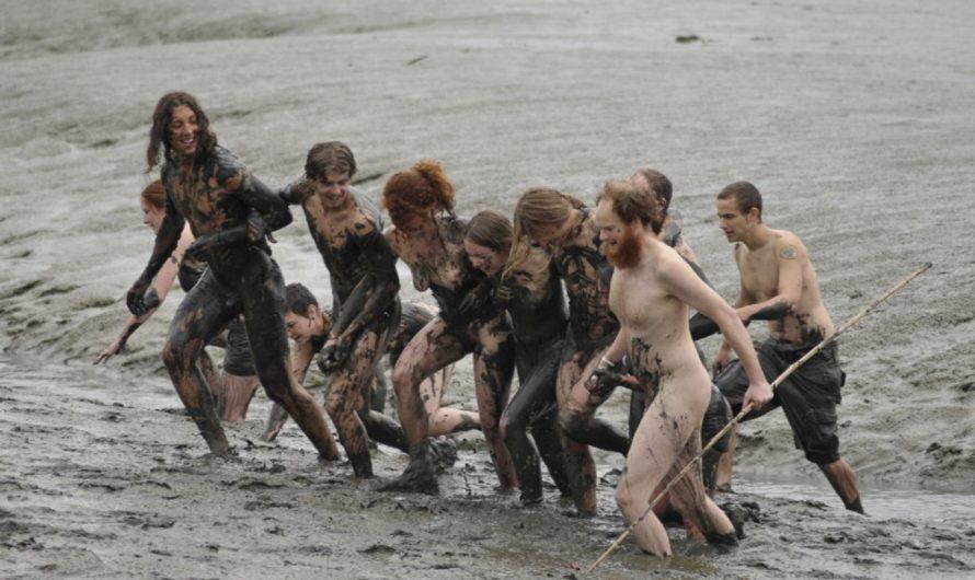 La course dans la boue à Evergreen collège USA