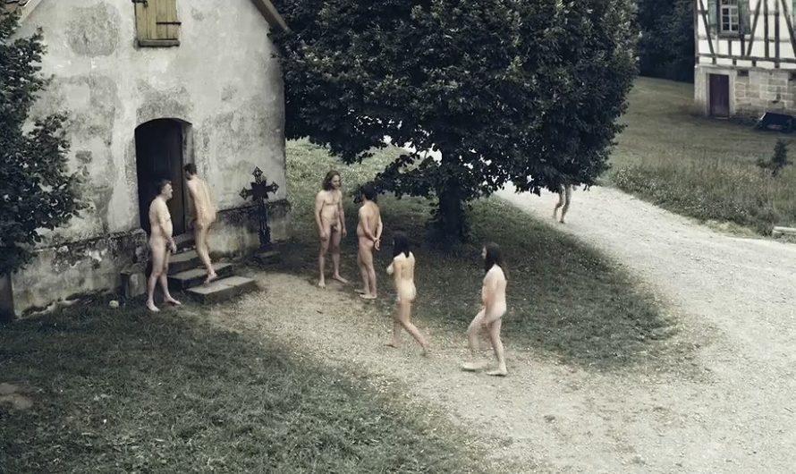 Studies on Hysteria : Un monde ou la nudité est la norme