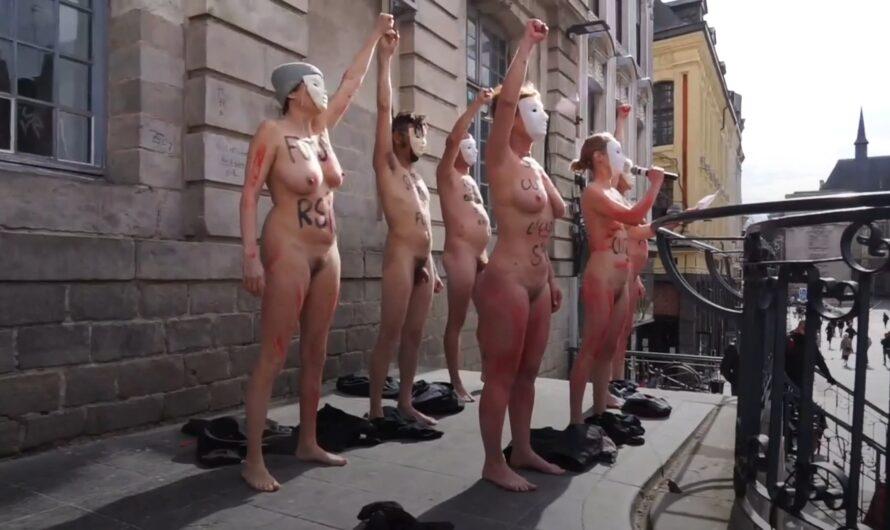 Ils se mettent nus devant le Théâtre de Lille