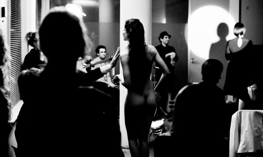 Imaginer Chanel, ou des femmes nues lors d'un défilé ?