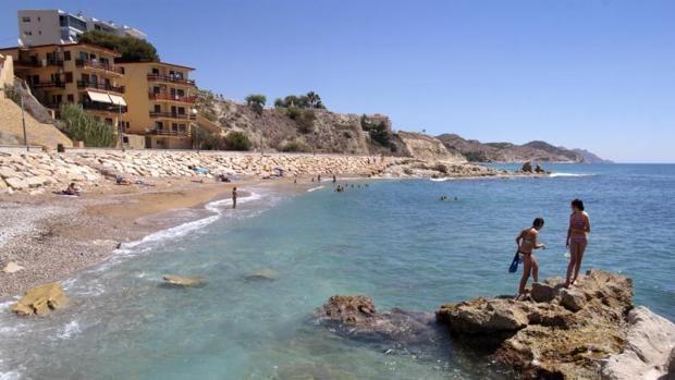 Alicante (espagne) recommande officiellement le nudisme sur ses plages