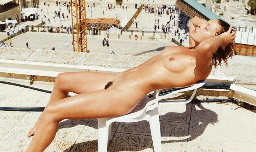Les nus en public de Marisa Papen