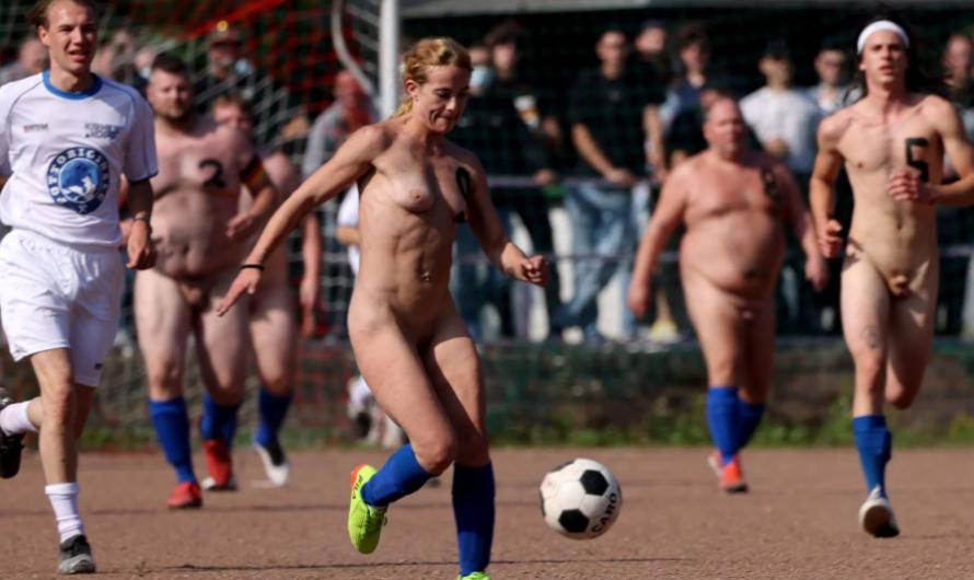 À Duisbourg, du football nu pour protester contre le Mondial au Qatar