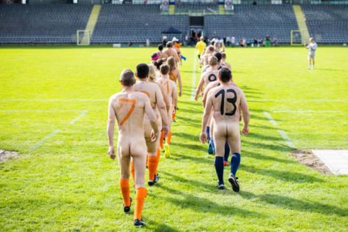 2020-09-naked-football-06